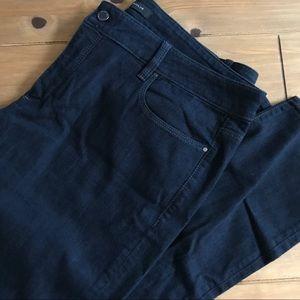 Ann Taylor super skinny curvy fit dark 33/ 16 New